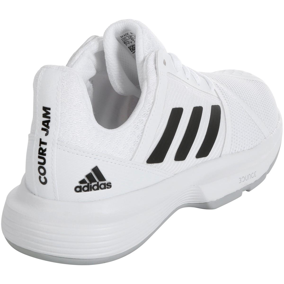 adidas donne des chaussures